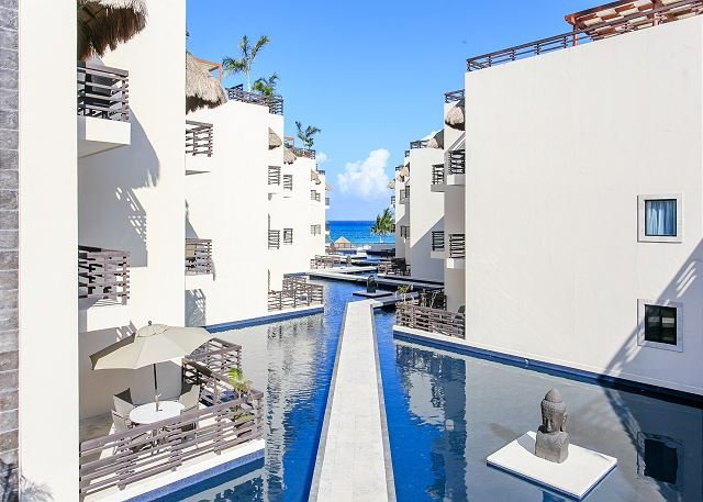 INCREDIBLE APARTMENT just steps from Mamitas Beach + FREE Internet - Image 1 - Playa del Carmen - rentals