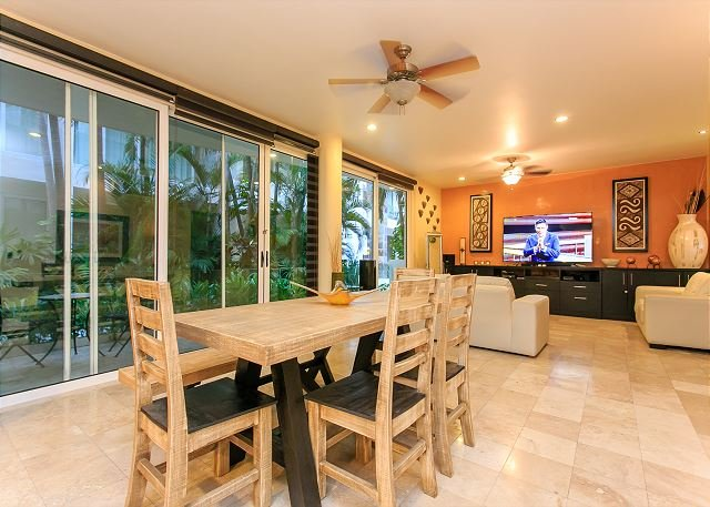 Five Star Condo Best Location Reasonably Price on MAMITAS BEACH & 5TH AVENUE - Image 1 - Playa del Carmen - rentals