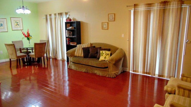 Spacious Vacation Condo W/ Hardwood Floors - Image 1 - Los Angeles - rentals