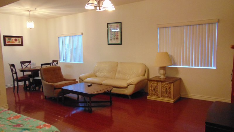 Budget Vacation Condo With Hardwood Floors - Image 1 - Los Angeles - rentals