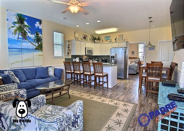 Upstairs living area - All New Property with one of the Best Views on the Island - Corpus Christi - rentals