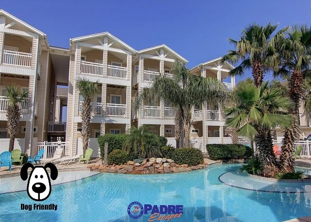 Beautiful pool just outside your back patio - Poolside townhouse that's just a short walk to the beach & Pet-friendly! - Corpus Christi - rentals