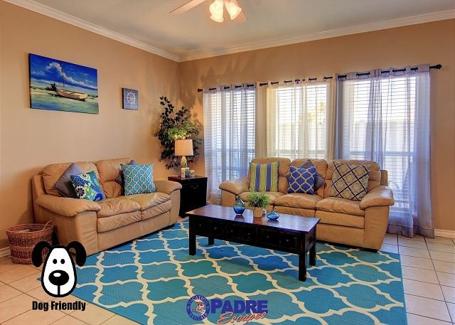 Open living area, great for spending time with family and friends - Spacious 3 Bedroom property that's close to the Beach - Corpus Christi - rentals