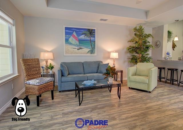 Spacious living area with sleeper sofa couch - Beautiful Brand New townhouse Close to the Beach! - Corpus Christi - rentals