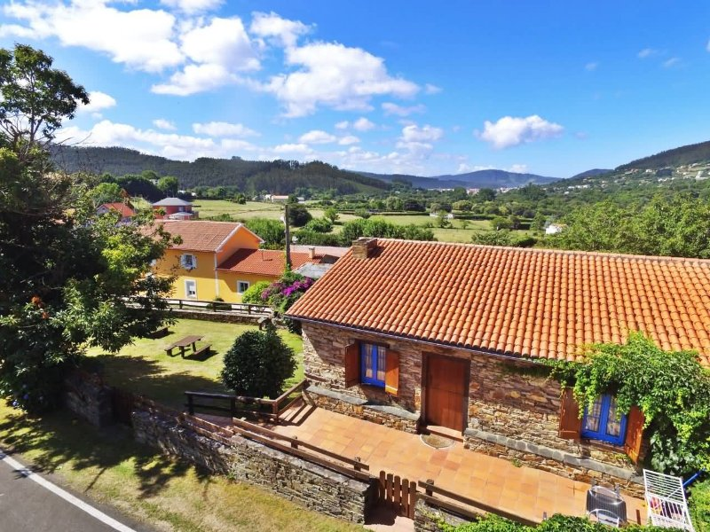 Delightful rustic stone house in a rural area near the coast - Image 1 - Cedeira - rentals