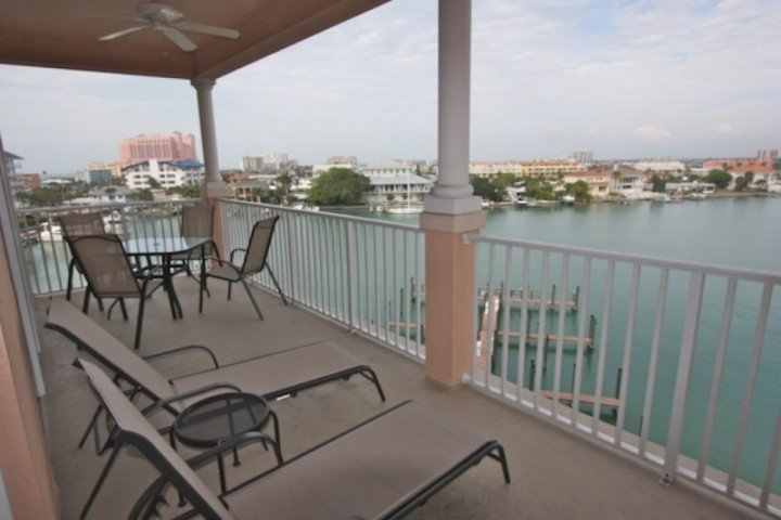 Private Waterfront Patio with Seating for 4-6 - 506 Harborview Grande - Clearwater Beach - rentals
