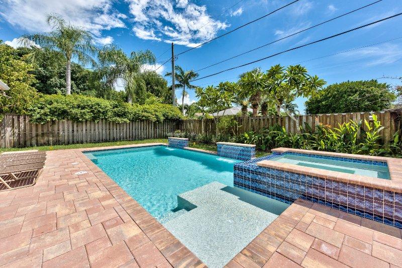 The Syracuse Vacation Rental Naples Florida Vacation Homes - Syracuse Vacation Rental *Walk to the Beach* - Naples - rentals