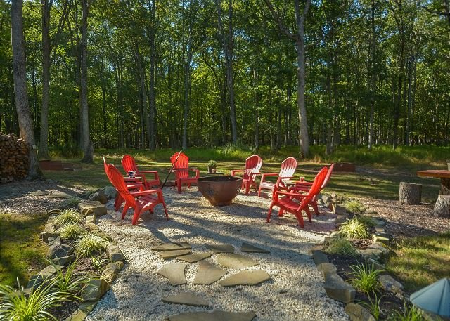 Fire Pit - Exquisite 4 Bedroom Log Home offers Luxurious accomodations & privacy! - Swanton - rentals