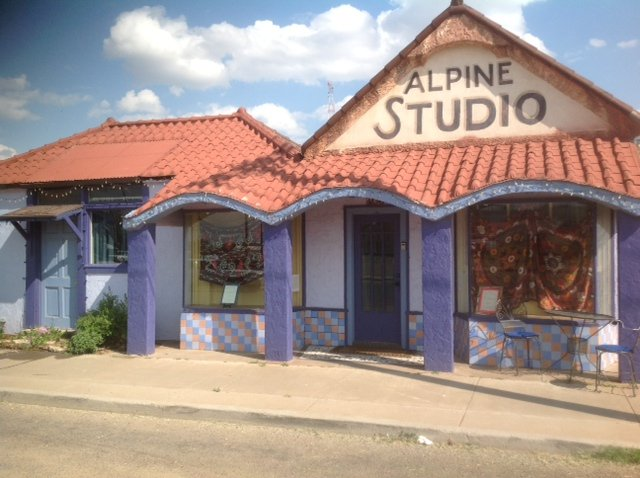 "The downtown Alpine Studio BnB is a 3 bed (1 king, 1 full, 1 twin) art filled  home - all yours! - ""Artsy"" Studio dtown Alpine by Marfa 3 beds/1 bath - Alpine - rentals"