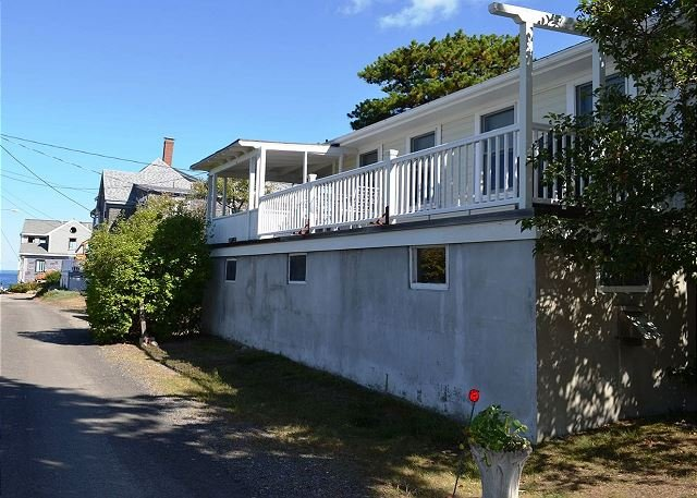 Front of house from the street. - North Seas Cottage: Water views in serene Pigeon Cove - Rockport - rentals