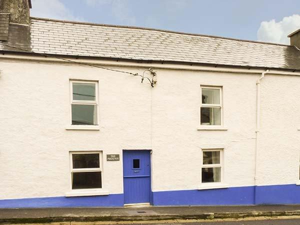 THE PHOENIX, pet-friendly, WiFi, en-suite facilities, open fire, near the coast, in Castletownshend, Ref. 26305 - Image 1 - Castletownshend - rentals