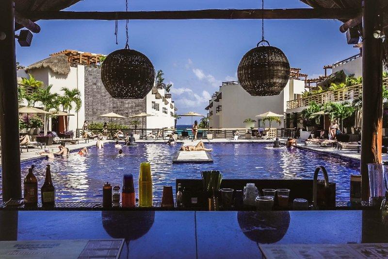 The Aldea Thai pool with swim up bar - Aldea Thai with Plunge Pool - Estrella - Playa del Carmen - rentals