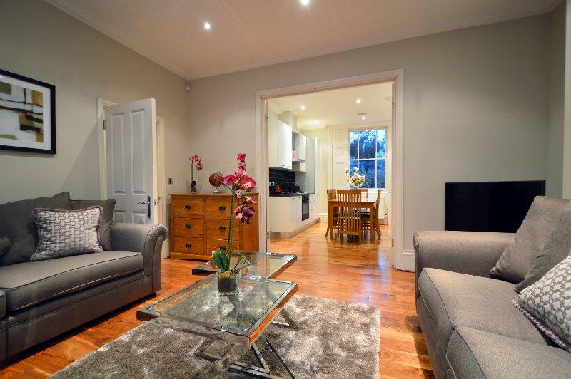 Albert Bridge Apartments - 3 Bedroom Townhouse (2) - Image 1 - London - rentals