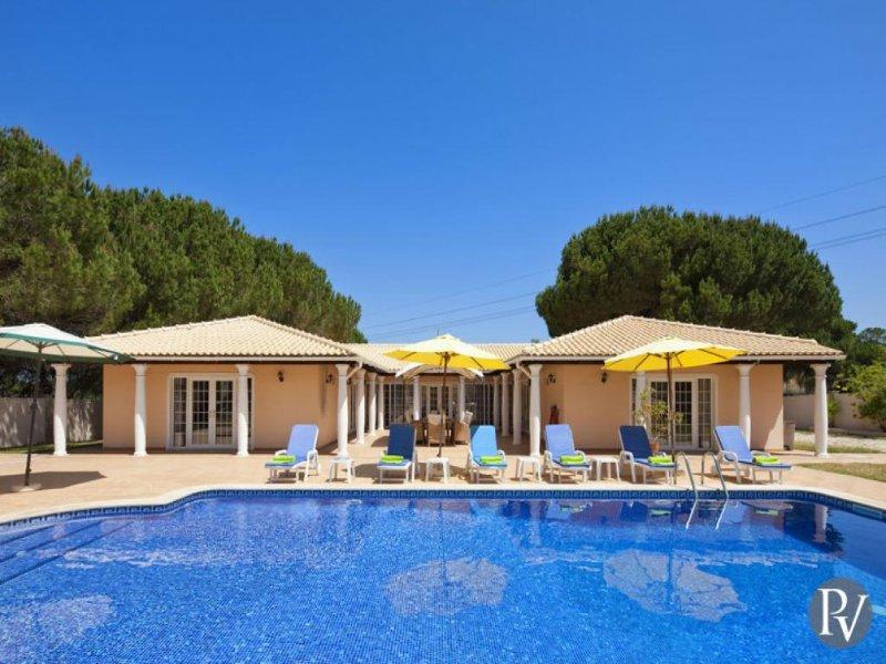 4 bedroom Villa in Vilamoura, Algarve, Portugal : ref 2291329 - Image 1 - Vilamoura - rentals