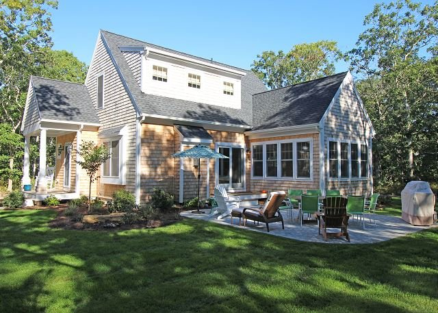 Beautiful New Oak Bluffs Home - Image 1 - World - rentals
