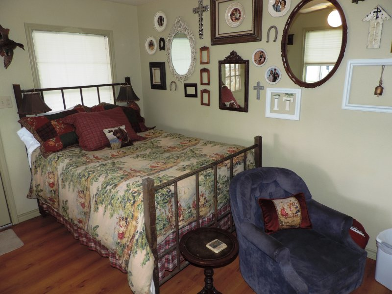 Lone Star Guest Haus - Small Suite - Image 1 - Fredericksburg - rentals