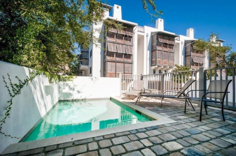 Cottage On The Green has a 12' x 8' Private Pool.  Sleeps 8 with 3 bedrooms and 2 1/2 bath - COTTAGE ON THE GREEN - Rosemary Beach - rentals