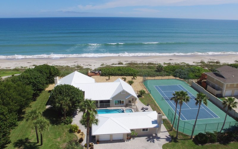 Aerial view of the Property, Pool & Spa, Tennis court, Beach and Ocean - GOLDEN SANDS EMERALD - Luxury Beachfront, Tennis Court, Pool, Spa, Private Beach - Cocoa Beach - rentals