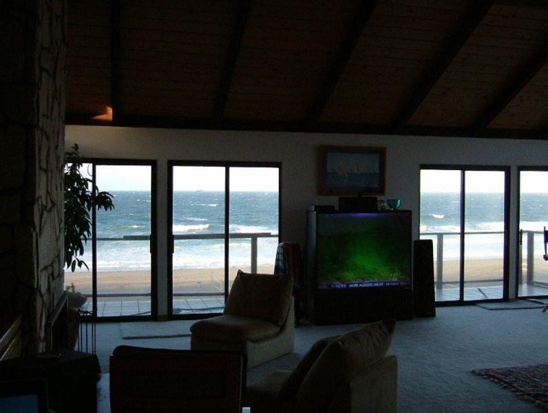 Breathtaking Beach View - 3 Bedroom Corporate Rental in Manhattan Beach - Image 1 - Manhattan Beach - rentals