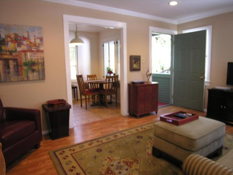 Fully Furnished 1 Bedroom Apartment in Los Angeles - Cozy and Nice - Image 1 - Los Angeles - rentals