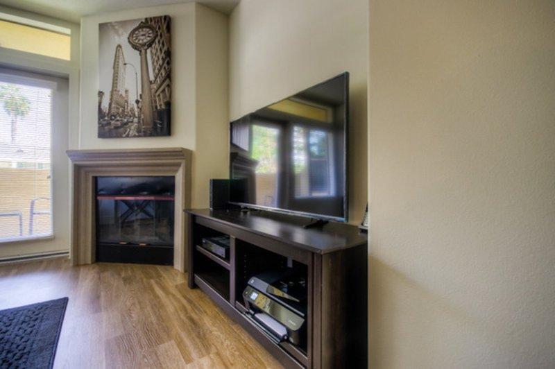 LOVELY FURNISHED 1 BEDROOM 1 BATHROOM APARTMENT - Image 1 - Los Angeles - rentals