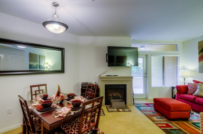 BEAUTIFUL AND CLASSY  FURNISHED 1 BEDROOM 1 BATHROOM APARTMENT - Image 1 - Los Angeles - rentals