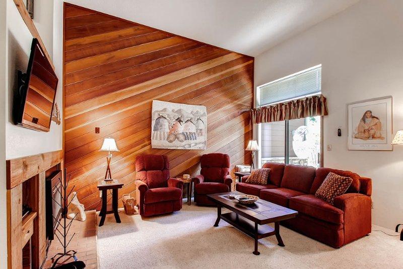 Winterpoint 22 - Walk to Lifts/Walk to Town - Image 1 - Breckenridge - rentals