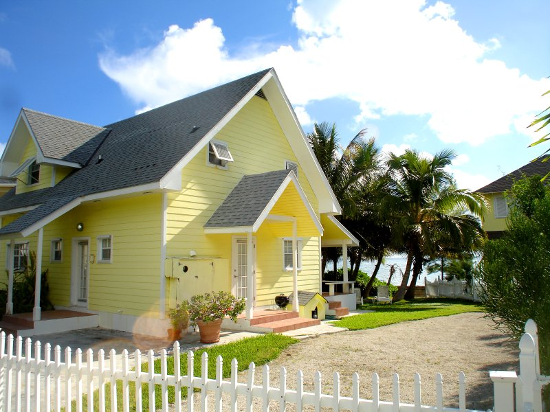 Oceanfront Cottage: Rated excellent on TripAdvisor - Image 1 - Nassau - rentals