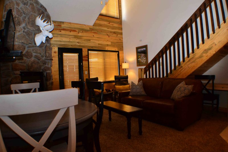 """Nestled Inn""our cozy Ski Mountain Getaway for 10 - Image 1 - Granby - rentals"