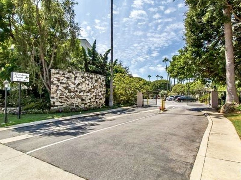 Furnished 1-Bedroom Condo at Sunset Blvd & S Barrington Ave Los Angeles - Image 1 - Westwood  Los Angeles County - rentals