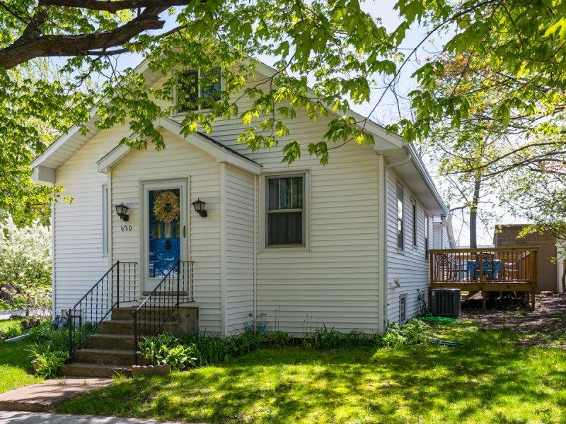 Breeze Inn - Delightful Cottage - Image 1 - South Haven - rentals