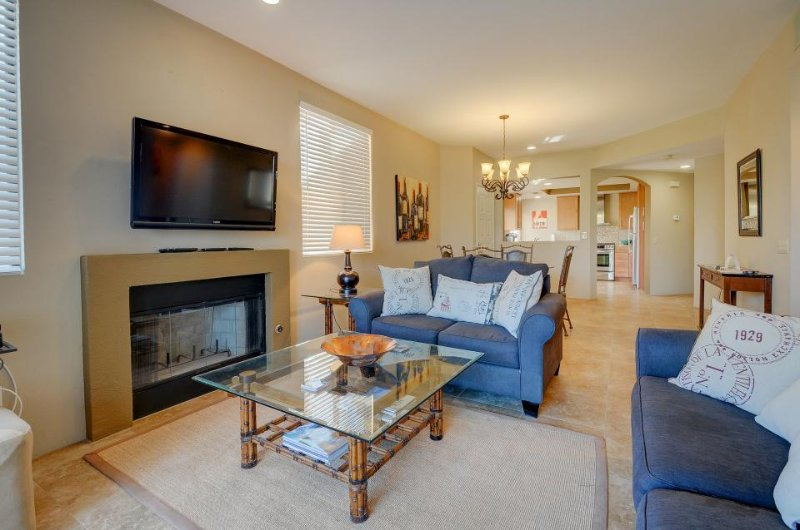 Newly remodeled country club condo w/shared pool & hot tub - Image 1 - La Quinta - rentals