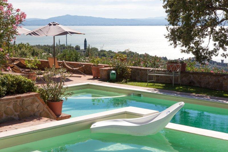 Ravishing lakefront Villa nestled on the hills. - Image 1 - Passignano Sul Trasimeno - rentals