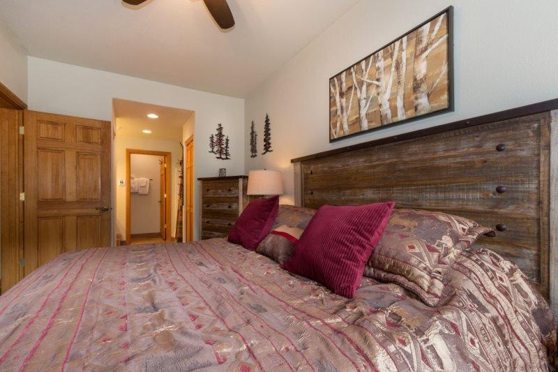Hidden River Lodge 5975 - Walk to slopes, amazing ski area views! - Image 1 - Keystone - rentals