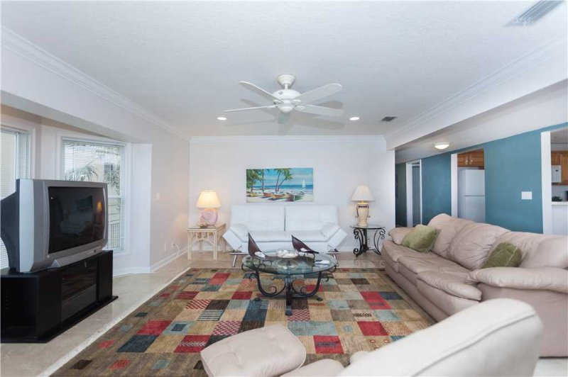 Golden Star Lower, 3 Bedroom, Beach Front,  Near Mayo Clinic, Sleeps 6 - Image 1 - Jacksonville Beach - rentals