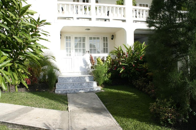 Entrance To Annwin Apartment - Annwin Apartment - Paynes Bay - rentals