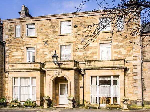 GRANBY HOUSE CHATSWORTH STREET luxury apartment, off road parking in Bakewell Ref 926050 - Image 1 - Bakewell - rentals