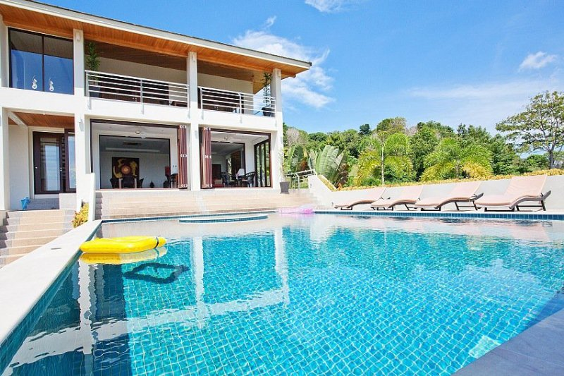 Luxury 5 bed villa 1.5km to the beach - Image 1 - Coral Island (Koh Hae) - rentals