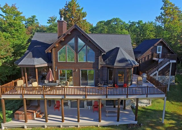Exterior - Exquisite 5 Bedroom Log Home offers luxury living in prestigious community! - McHenry - rentals