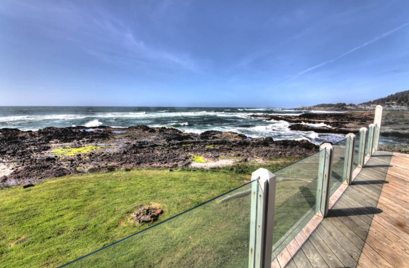 Ocean Front Home with Panoramic Ocean View! - Image 1 - Yachats - rentals
