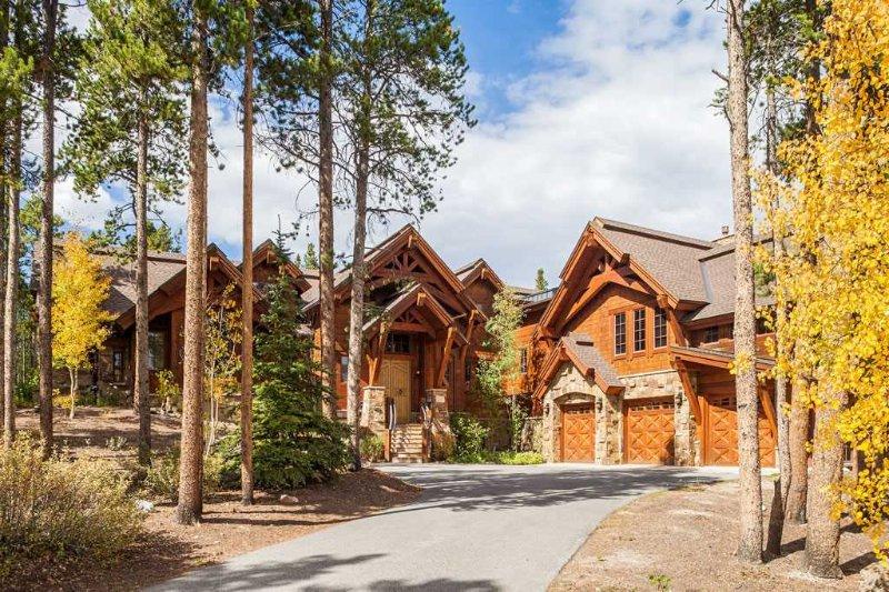 Hatari Lodge - Private Home - Image 1 - Breckenridge - rentals