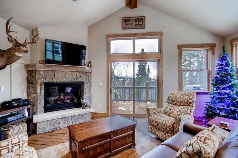 Maggie Point 75 - Shuttle to Lifts/Shuttle to Town - Image 1 - Breckenridge - rentals
