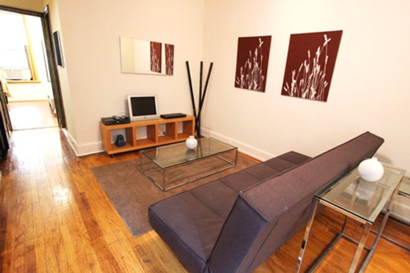 LOVELY, SPACIOUS AND FRESHLY PAINTED 1 BEDROOM, 1 BATHROOM APARTMENT - Image 1 - New York City - rentals