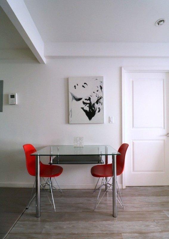 Warm and Welcoming 2 Bedroom 1 Bathroom Apartment - New York - Image 1 - Weehawken - rentals