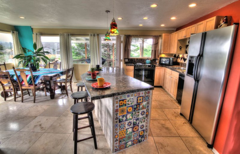 Quiet Private Beach House with Hot Tub! - Image 1 - Waldport - rentals