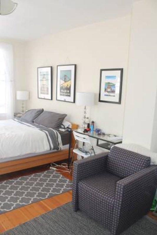 Sunny Rooftop Studio ! Furnished - Image 1 - San Francisco - rentals
