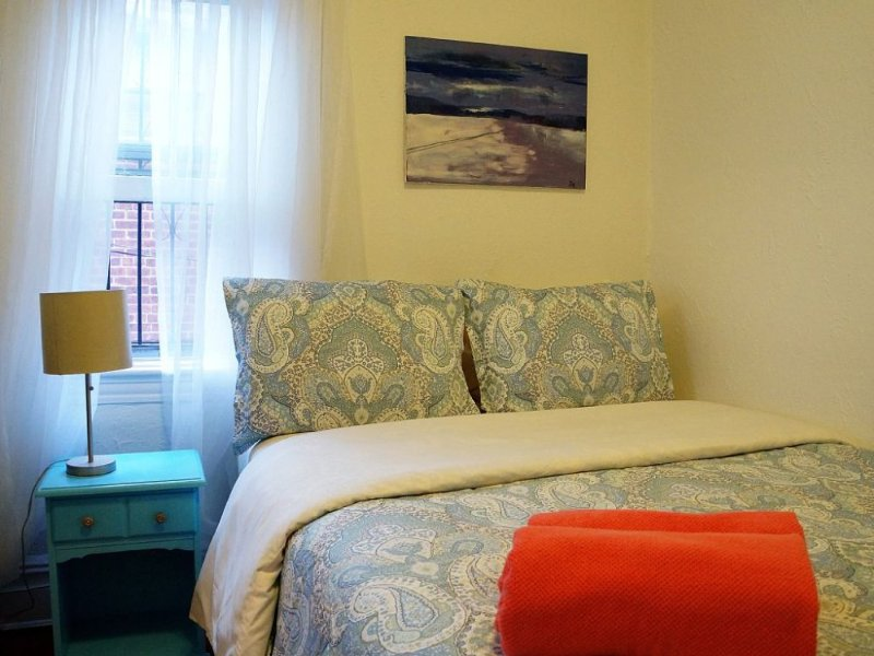 Furnished 9-Bedroom Home at 29th St & 35th Ave Queens - Image 1 - New York City - rentals
