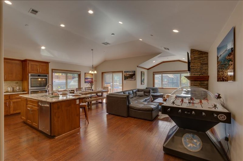 Tahoe Woods Paradise – Bubble Hockey, Sauna, Walk to Lake & Heavenly, Wifi, AC, Beach Passes - Image 1 - South Lake Tahoe - rentals