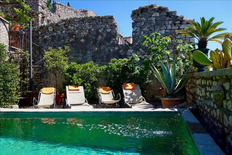 Sermoneta, Historic Stone House with Pool, in a  Medieval Hill Town Close to Rome and Naples - Image 1 - Sermoneta - rentals
