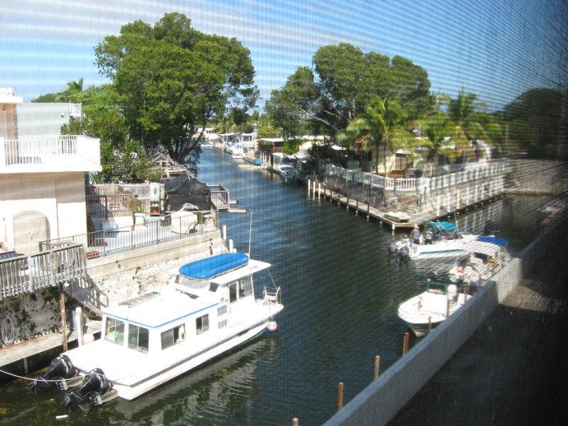 BAYSIDE CONDO WITH BOAT - Image 1 - Key Largo - rentals